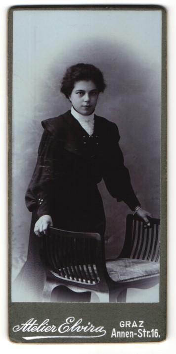 Fotografie Atelier Elvira, Graz, Portrait Fräulein mit dunklem Haar