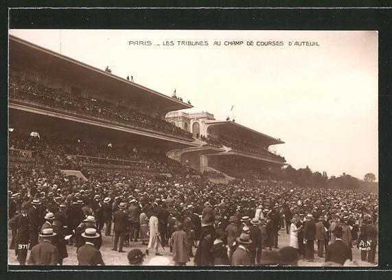 AK Paris, Les tribunes au champ de courses d'auteuil, Pferdesport