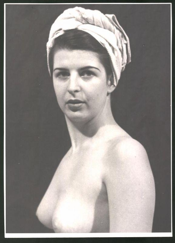 Fotografie Ludwig Geier, Portrait Aktmodel, Frauenakt mit Kopftuch