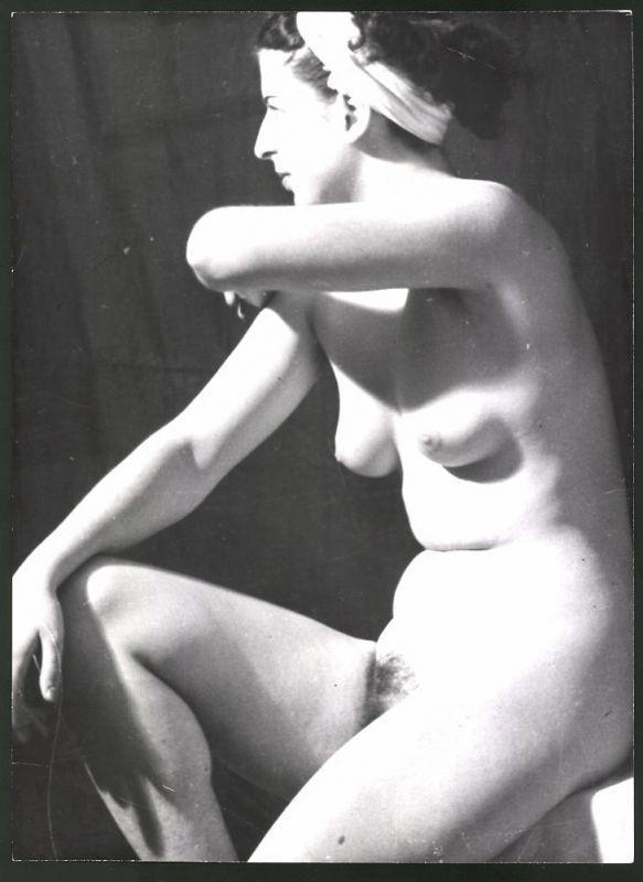 Fotografie Ludwig Geier, Aktmodel, Frauenakt für Maler posierend