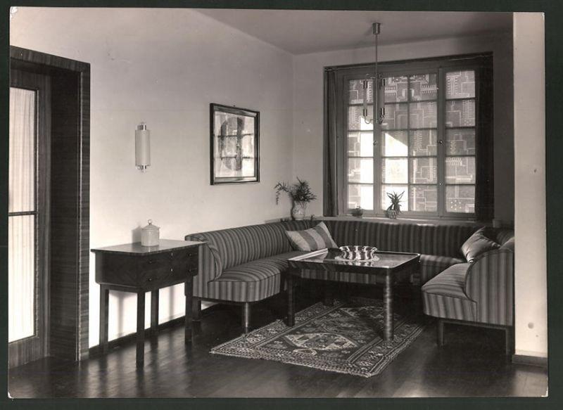 Fotografie Art Deco Einrichtung, Deutsche Werkstätten AG, Entwurf Karl Bertsch, Sofa-Sitzecke am Fenster