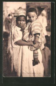 AK Ennfants arabes, Arabische Mutter mit ihrem Kind