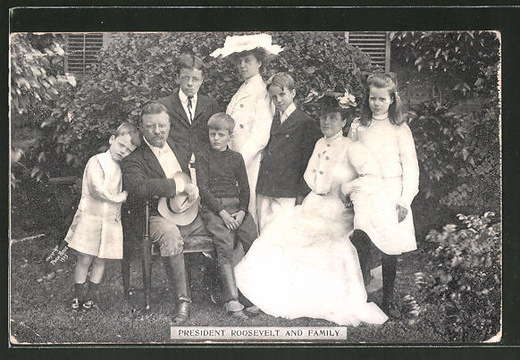 AK Präsident Franklin D. Roosevelt mit seiner Familie