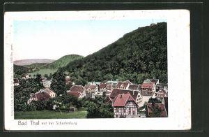 Goldfenster-AK Bad Thal, Ortsansicht aus der Vogelschau mit Blick auf die Scharfenburg