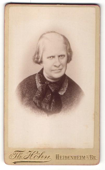 Fotografie Th. Höhn, Heidenheim i/Br, Portrait betagte Dame