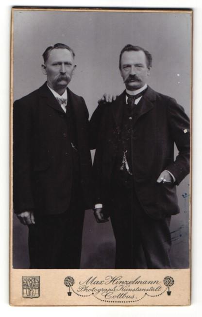 Fotografie Max Hinzelmann, Cottbus, Portrait zwei Herren mit Schnauzbärten