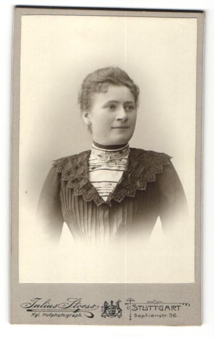 Fotografie Julius Stoess, Stuttgart, Portrait bürgerliche Dame