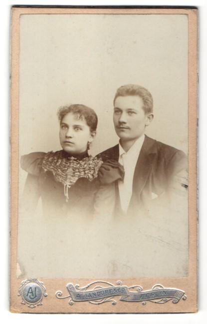 Fotografie A. Jandorf & Co., Berlin, Portrait junges bürgerliches Paar
