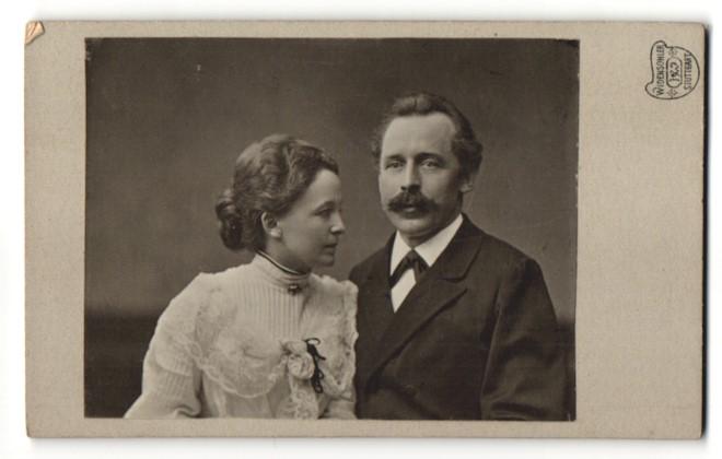 Fotografie Widensohler, Stuttgart, Portrait bürgerliches Paar