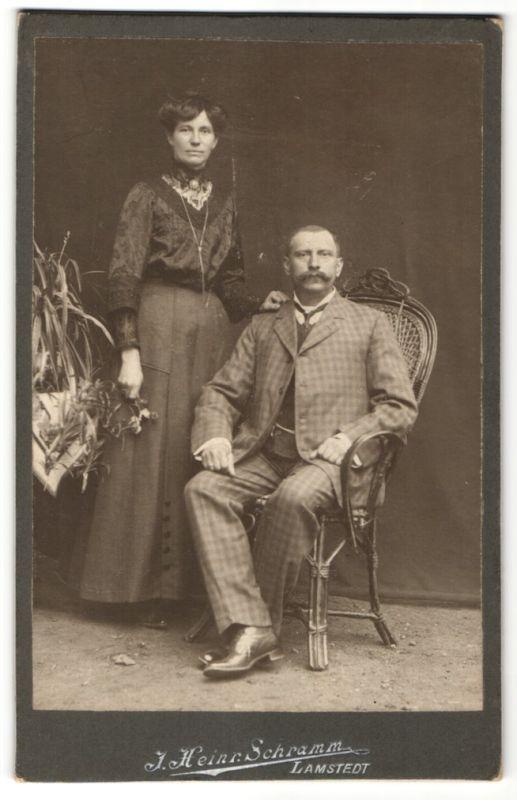 Fotografie J. Heinr. Schramm, Lamstedt, Portrait gutbürgerliches Paar 0