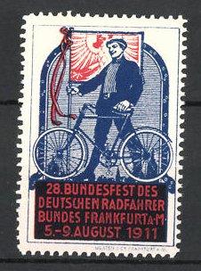 Reklamemarke Frankfurt / Main, 28. Bundesfest des Deutschen Radfahrerbundes 1911, Radfahrer mit Fahrrad und Fahne