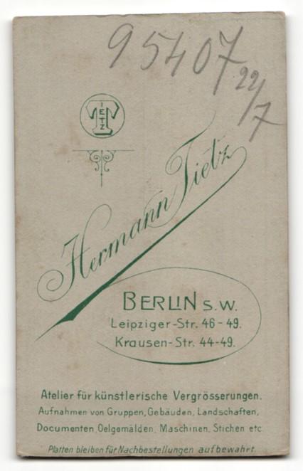 Fotografie Hermann Tietz, Berlin-SW, Portrait bürgerliche junge Frau 1