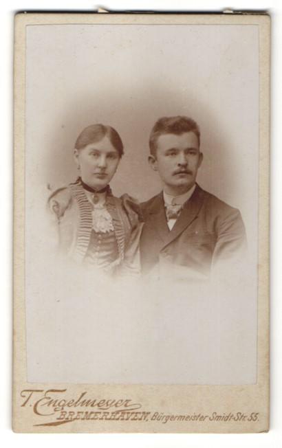 Fotografie T. Engelmeyer, Bremerhaven, Portrait bürgerliches junges Paar
