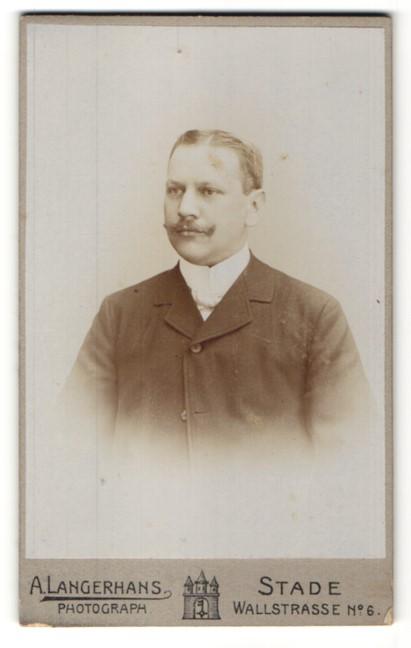 Fotografie A. Langerhans, Stade, Portrait bürgerlicher Herr mit Schnauzbart