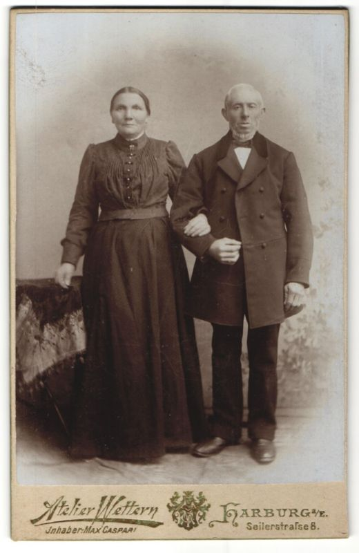 Fotografie Atelier Wettern, Harburg a/E, Portrait älteres bürgerliches Paar