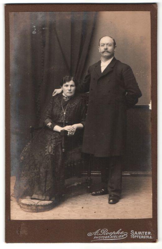 Fotografie A. Roepke, Samter, Portrait gutbürgerliches Paar