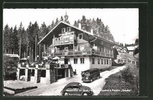 AK Neukirchen am Gross-Venediger, VW-Käfer und VW-Bulli vor dem Gasthof