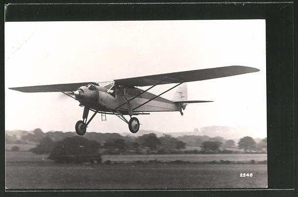 AK Flugzeug setzt zur Landung auf dem Flugfeld an