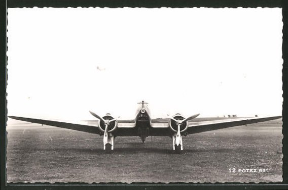 AK Potez 63 Flugzeug auf der Startbahn