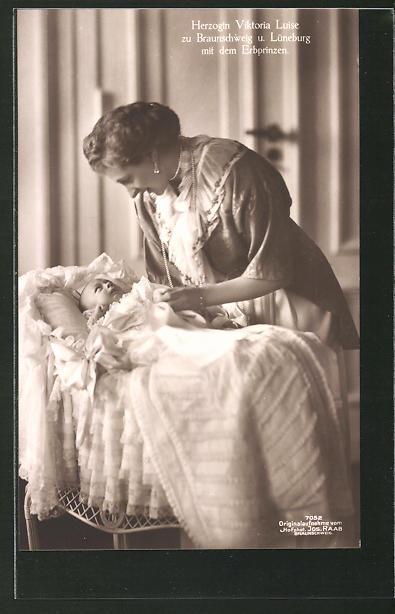 AK Victoria Louise Herzogin von Braunschweig mit dem kleinen Erbprinzen