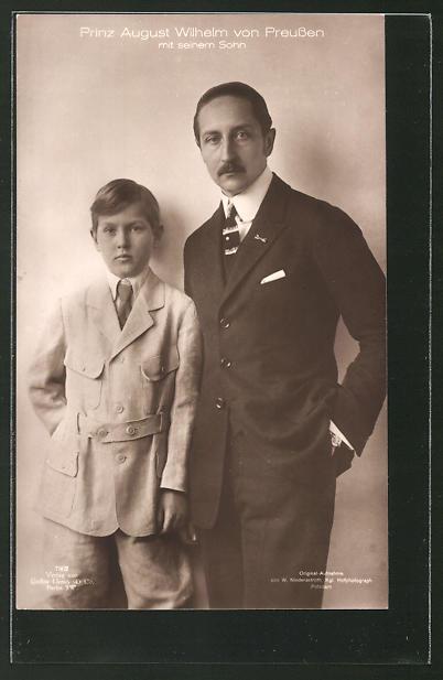 AK Prinz August Wilhelm von Preussen mit seinem Sohn