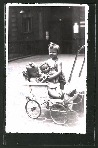 Foto ak mädchen mit puppe und katze im kinderwagen nr