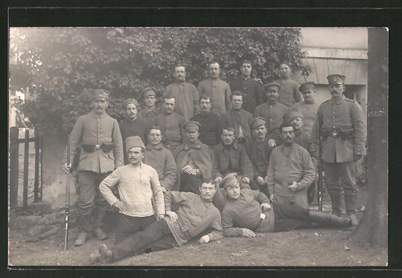 Foto-AK Landsturmmänner und russische Kriegsgefangene