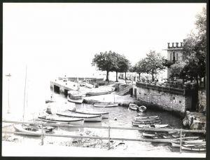 Fotografie Fotograf unbekannt, Ansicht Lovran, Partie im Hafen