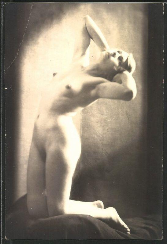Fotografie Model in Akt, junge nackte Frau in erotischer Pose