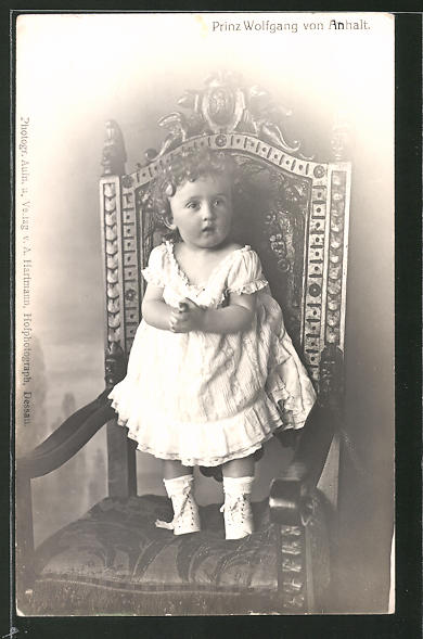 AK Prinz Wolfgang von Anhalt als Kleinkind auf einem Stuhl