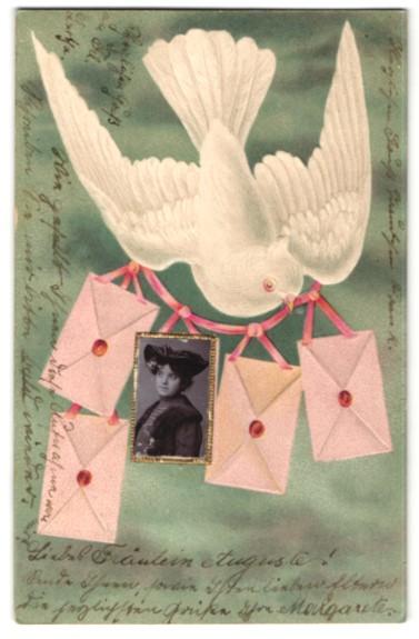 Foto-Collage-AK Taube mit Girlande aus Briefen und einem Frauenportrait