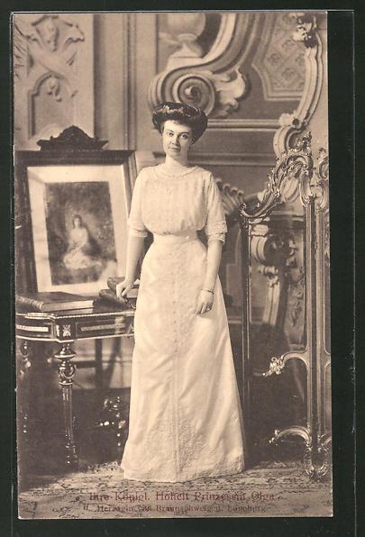 AK Königliche Hoheit Prinzessin Olga von Braunschweig stehend