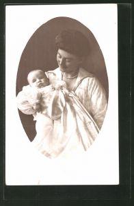 AK Grossherzogin Alexandra von Mecklenburg-Schwerin mit Kind