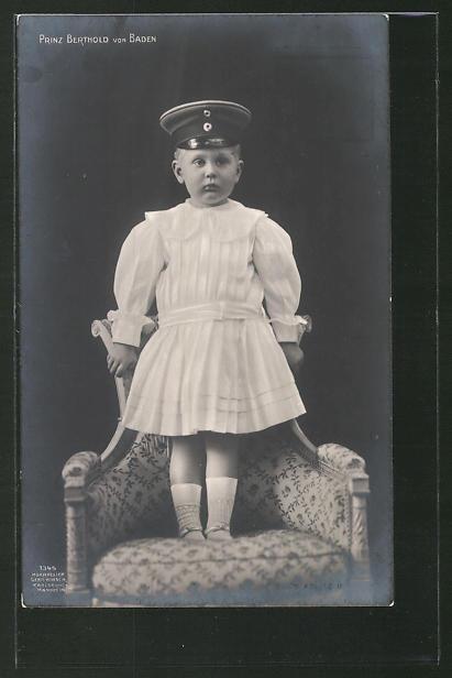AK Prinz Berthold von Baden auf einem Sessel stehend