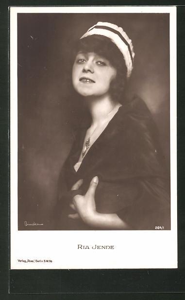 AK Schauspielerin Ria Jende mit Hut