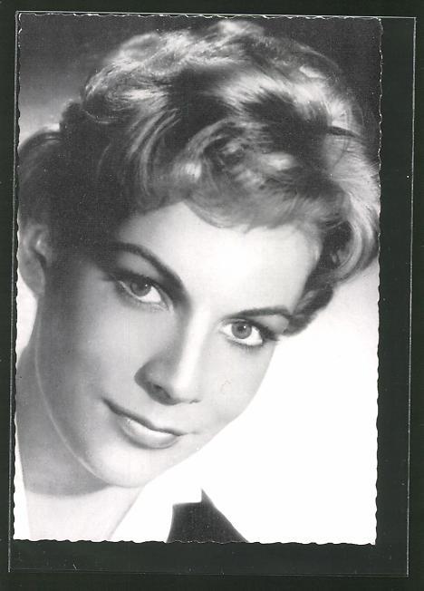 AK Schauspielerin Ingrid Ernest, Portrait der Schauspielerin