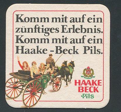 Bierdeckel Haake Beck Pils, Wappen, Pärchen machen eine Kutschfahrt