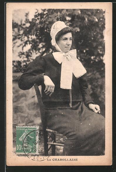 AK La Charollaise, Frau mit Schleife am Hals, Burgund / Bourgogne