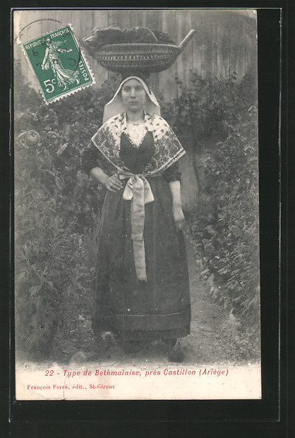 AK Type de Bethmalaise, pres Castillon (Ariege), Junge Frau in Tracht