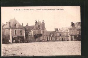 AK Condé-sur-Huisne, un coin de la place centrale, côté ouest