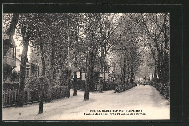 AK La Baules-sur-Mer, avenue des Lilas, près l'avenue des Ormes
