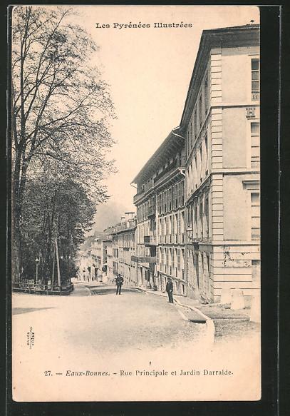 AK Eaux-Bonnes, Rue Principale et Jardin Darrale, personnes dans la rue