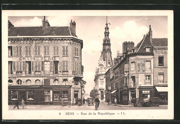 AK Sens, rue de la République