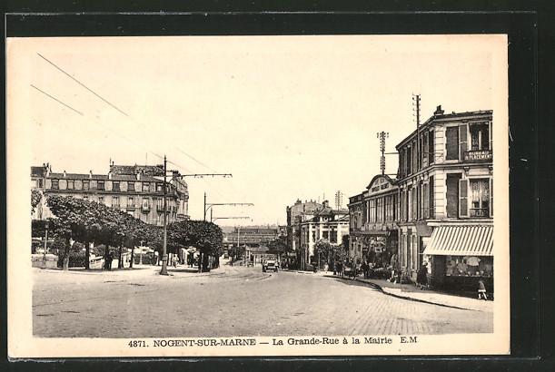 AK Nogent-sur-Marne, la Grande-Rue à la mairie