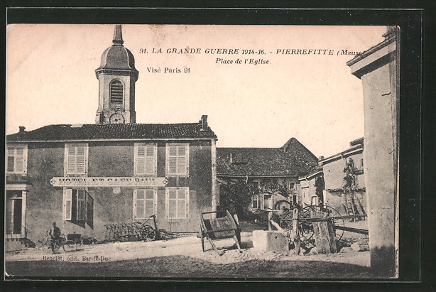 AK Pierrefitte, Place de l'église