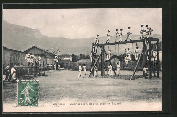 AK Grenoble, Gebirgsjäger am Klettergerüst