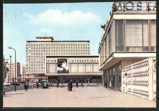 AK Berlin-Friedrichshain, Kino International und Hotel Berolina