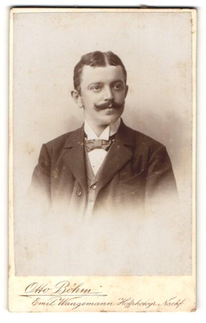 Fotografie Otto Böhm, Passau, Portrait Herr mit zeitgenössischem Oberlippenbart