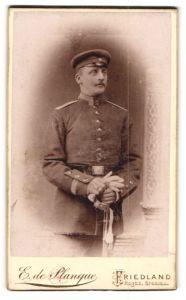 Fotografie E. de Planque, Friedland, Portrait Unteroffizier in Uniform