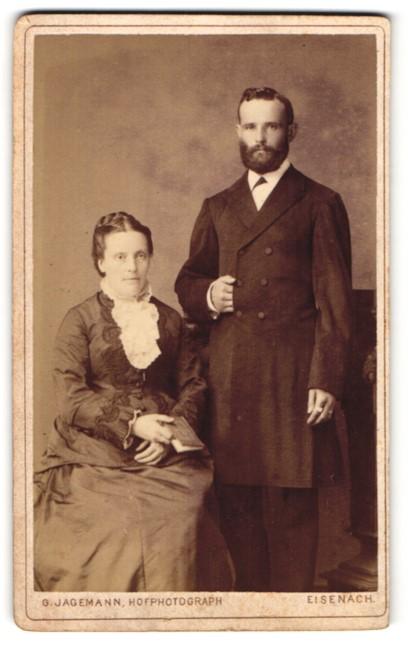 Fotografie G. Jagemann, Eisenach, Portrait gutbürgerliches Paar